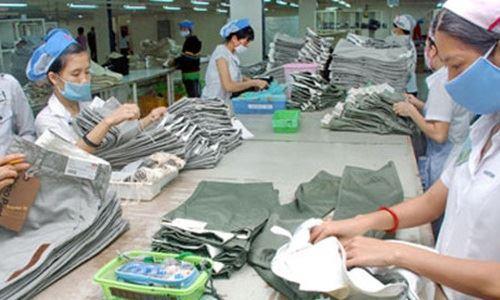 Kim ngạch xuất nhập khẩu giảm gần 10%