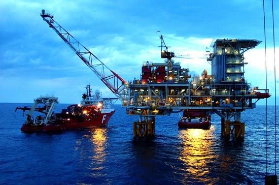 Việt Nam bán dầu thô cho Trung Quốc rẻ hơn 200.000 đồng mỗi tấn