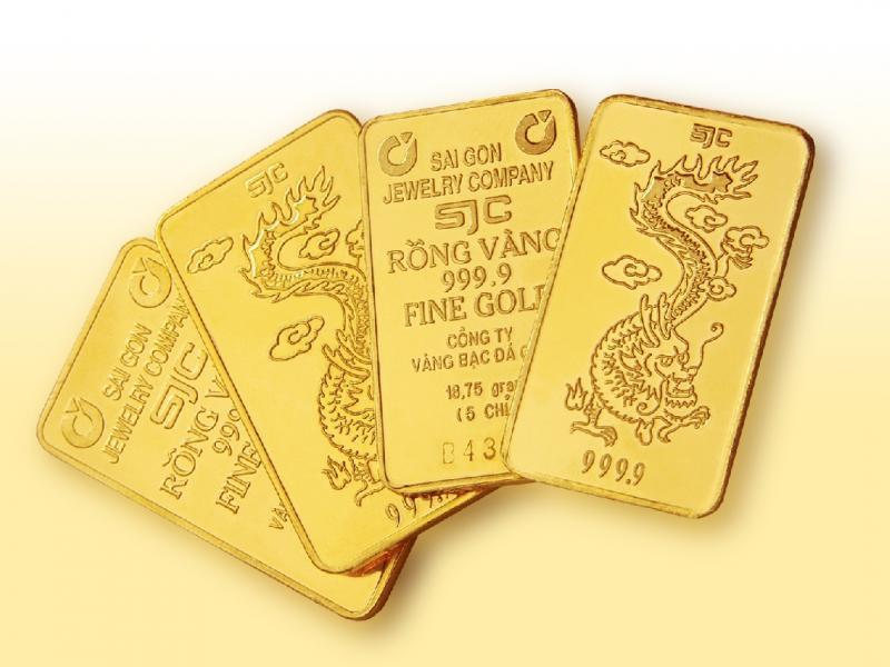 Giá vàng SJC vọt tăng lên đỉnh 4 tháng