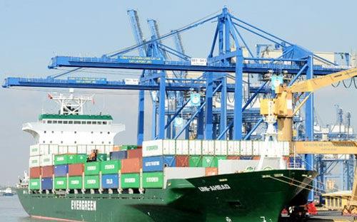 Số liệu của Tổng cục Hải quan đối nghịch Tổng cục thống kê: Việt Nam thăng dư 181 triệu USD trong tháng 1