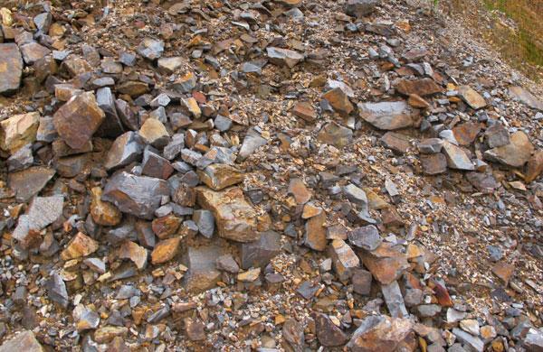Giá quặng sắt và giá thép đồng loạt giảm