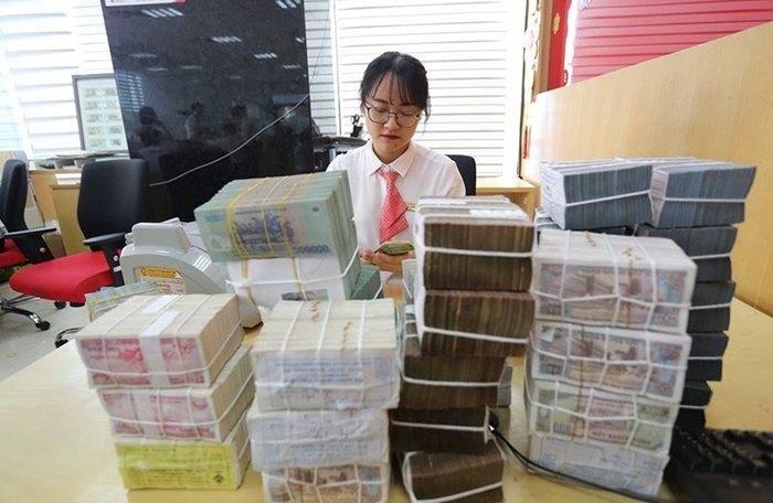 Ngân hàng thương mại tuần thứ 3 liên tiếp đón dòng tiền từ NHNN