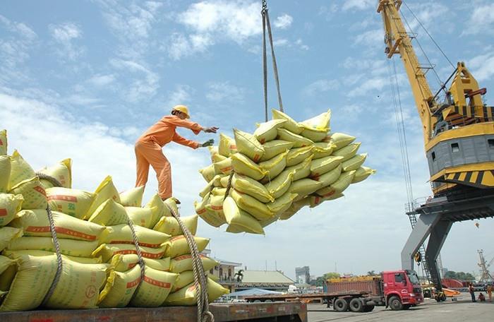Doanh nghiệp Việt tồn kho hơn 1 triệu tấn gạo