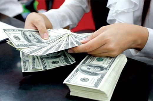 Giá USD tự do vượt 23.180 đồng
