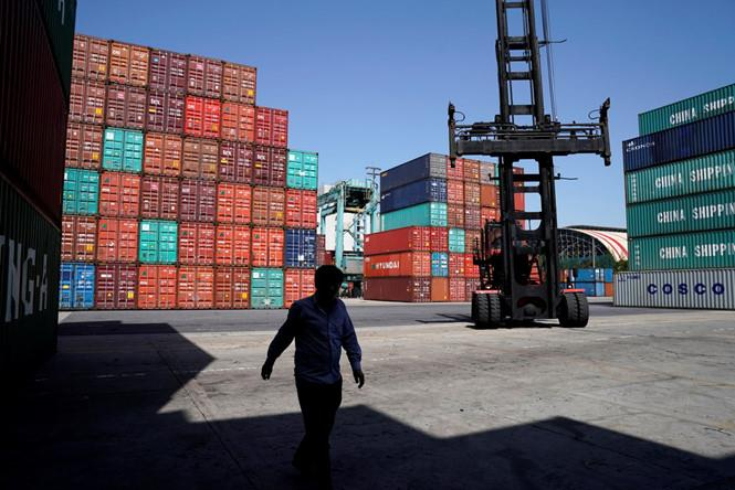 Mỹ đánh thuế 25% lên 16 tỉ USD hàng hóa Trung Quốc