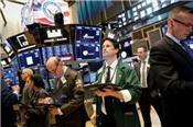 Căng thẳng thương mại leo thang, chứng khoán Mỹ đi xuống