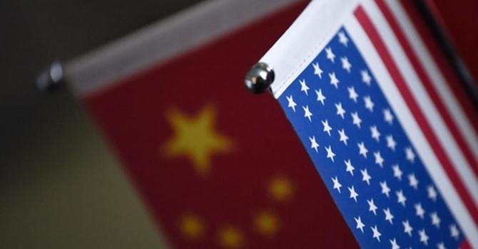 """Việt Nam có thể rơi vào trạng thái """"rủi ro lưỡng cực"""" trong cuộc chiến thương mại Mỹ - Trung"""