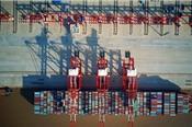 Trung Quốc áp thuế chống phá giá với hóa chất từ Mỹ, Nhật Bản