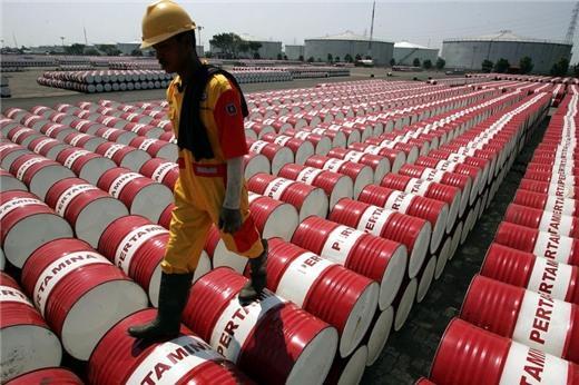 Dự trữ tại Mỹ tăng vượt dự báo, giá dầu giảm