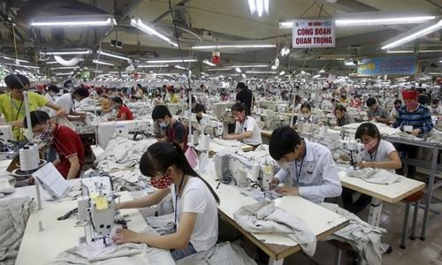 Việt Nam hạ một bậc về môi trường kinh doanh