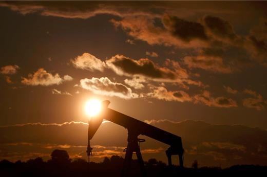 Trump không muốn giảm sản lượng, giá dầu Mỹ có phiên giảm thứ 11 liên tiếp