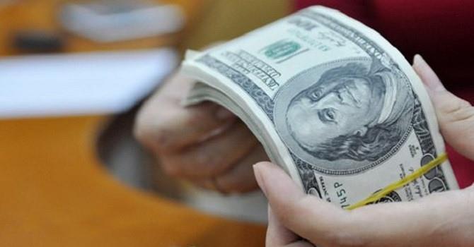 Các ngân hàng đồng loạt tăng mạnh giá USD