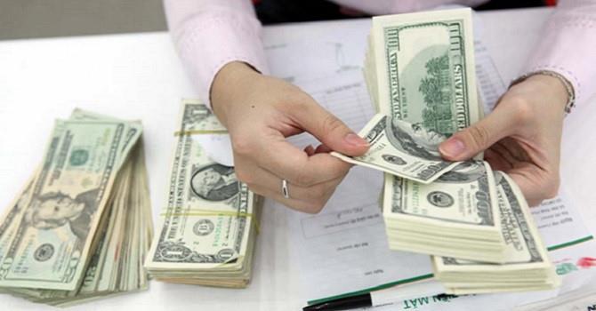 Giá USD trầm lắng phiên đầu tuần
