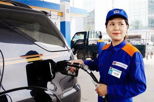 Giá xăng tiếp tục giảm hơn 1.400 - 1.500 đồng/lít