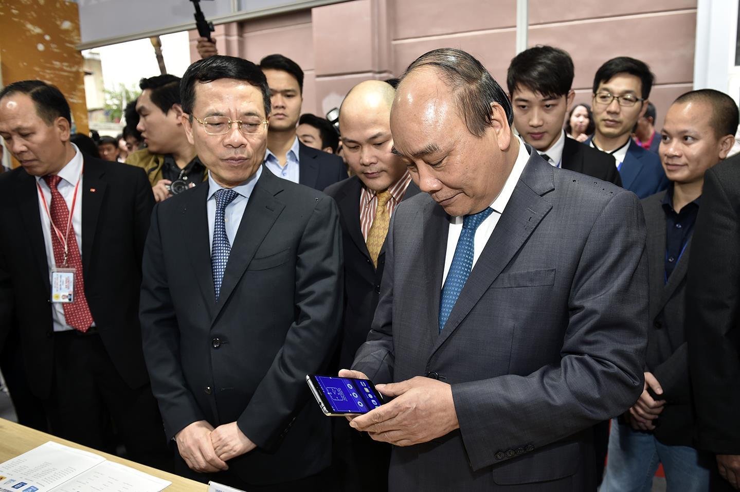 Thủ tướng đồng ý thí điểm cho phép chuyển tiền, thanh toán khoản nhỏ qua nhà mạng