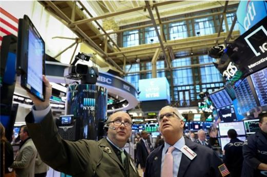 Phố Wall tiếp tục đi lên nhờ hy vọng về thương mại, lạm phát trong tầm kiểm soát
