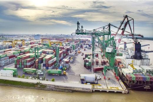Xuất khẩu mạnh sang Mỹ, nhập khẩu lớn từ Trung Quốc