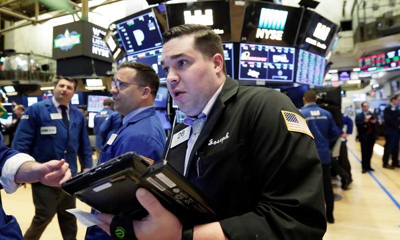 Bloomberg: Giới đầu tư quỹ chạy khỏi chứng khoán