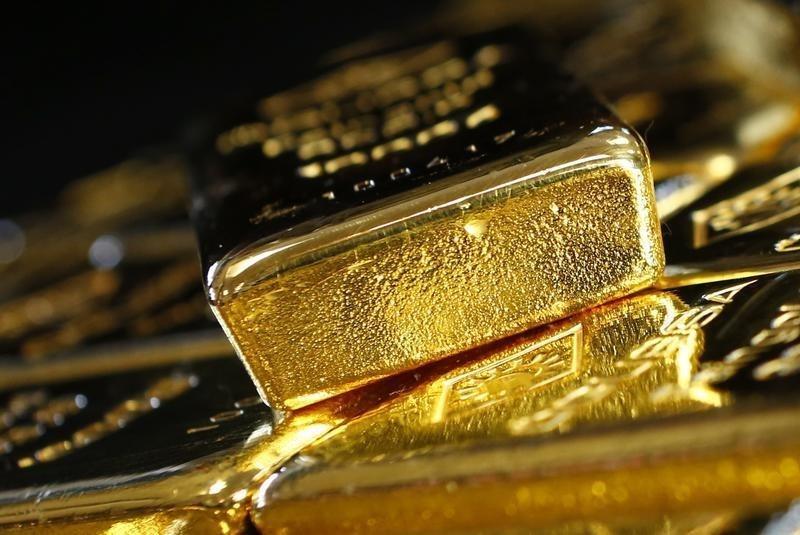 USD tăng nhờ số liệu kinh tế Mỹ tốt, giá vàng mất đỉnh 3 tuần