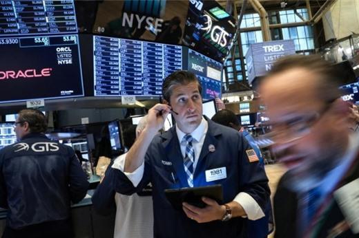 Phố Wall tăng điểm, S&P 500 tiến sát đỉnh lịch sử