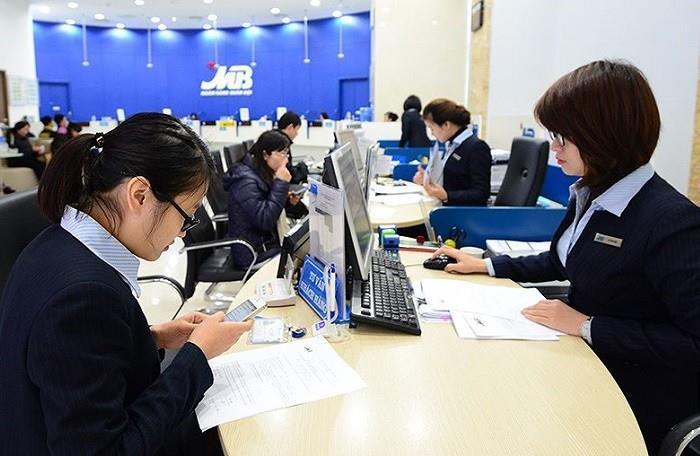 Cổ phiếu ngân hàng: Chờ đòn bẩy từ room ngoại
