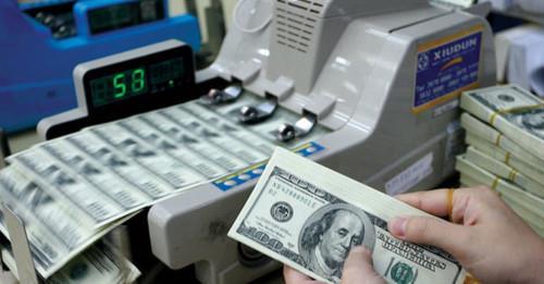 Giá USD tại các ngân hàng cùng giảm mạnh