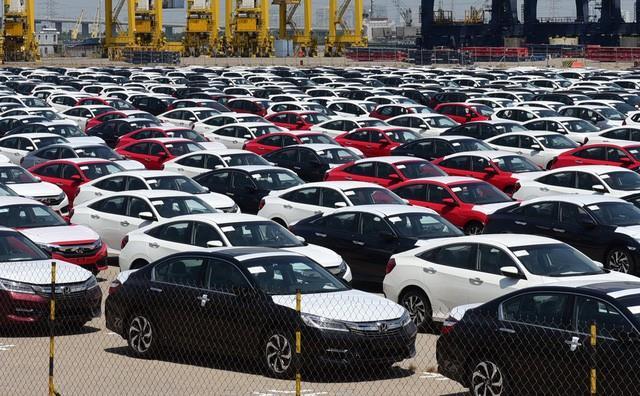 Nhập khẩu dầu thô tăng 297%, ôtô nguyên chiếc tăng 482%