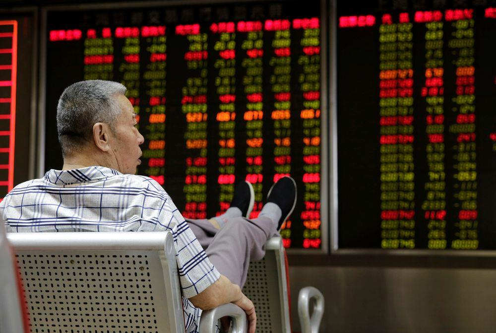 Làn sóng bán tháo tiếp tục 'càn quét' chứng khoán Hong Kong