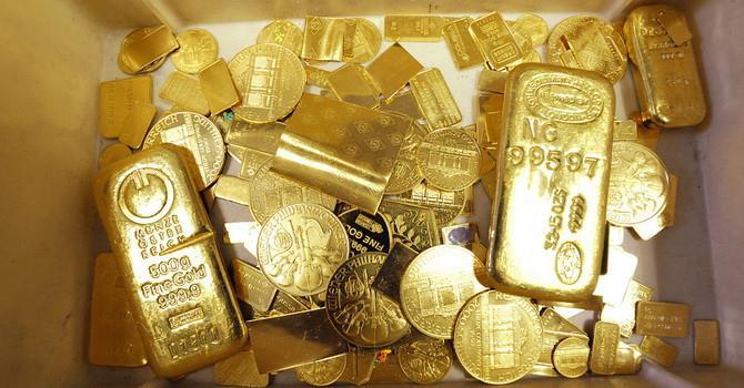 Giá vàng tăng vọt lên sát 1.400 USD/ounce, cao nhất 5 năm