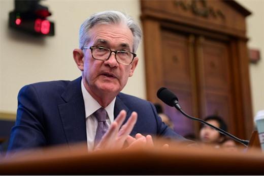 Chủ tịch Fed: Sẽ hành động phù hợp vì kinh tế bị ảnh hưởng bởi những cơn gió ngược