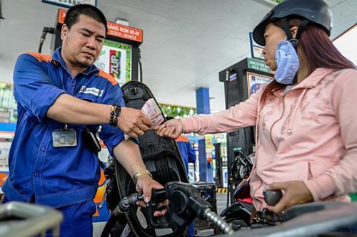 Giá xăng có thể tăng mạnh vào hôm nay
