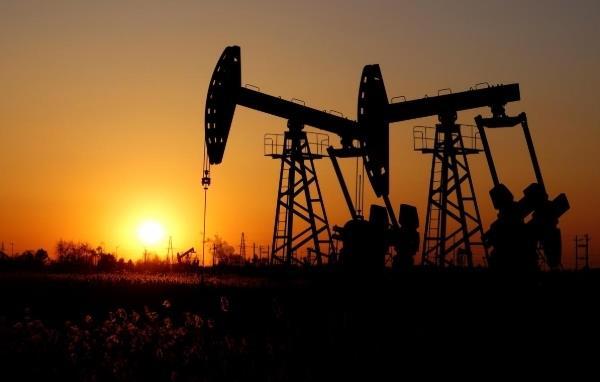 Covid-19 lan nhanh ngoài Trung Quốc, giá dầu mất gần 4%, vàng lên đỉnh 7 năm