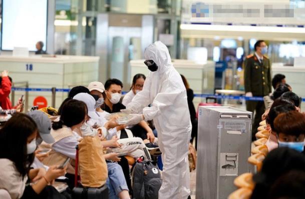 Giao thông tuần qua: 'Giải cứu' gần 1.700 du khách mắc kẹt tại Đà Nẵng; tháng 9 có thể khởi công cao tốc Bắc-Nam
